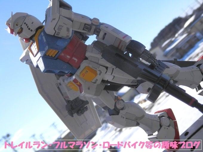 MGガンダムとシャア専用のプラモデル完成品公開RX-78-2Ver3.0。