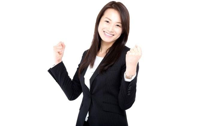 社会保険労務士とファイナンシャルプランナー2級合格後に開業登録した女性。
