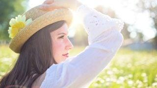 紫外線対策の日焼け止めはサラッと塗れるスキンアクアUVカットジェル。