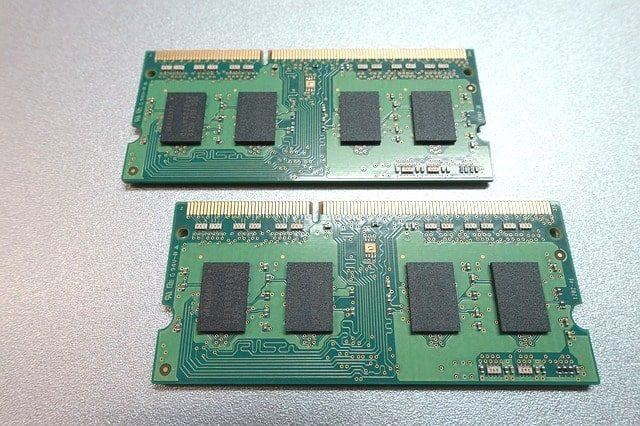ノートパソコンにM.2(SSD)とメモリを増設したらOS起動が10秒内になった。
