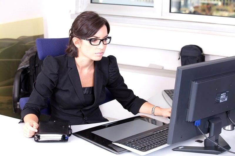 司法書士合格に1800時間の勉強!不動産登記と政務整理の独占業務。